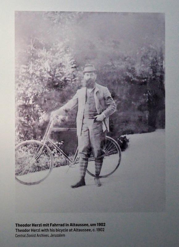 Herzl photo with bike
