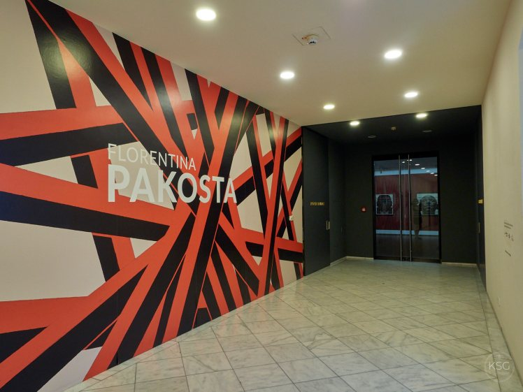 Entrance to the Pakosta exhibition