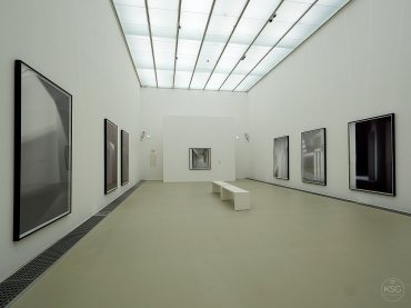 Eva Schlegel at Kunsthalle Krems