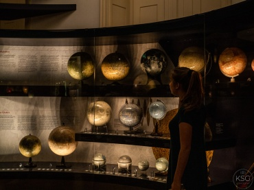 lunar and planetary globes