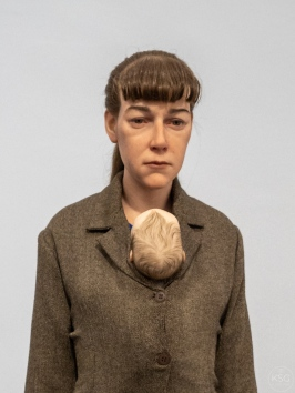 Ron Mueck - Woman with Shopping (2013)